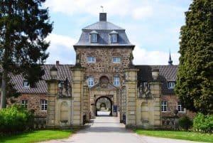 schloss-lembeck-portal